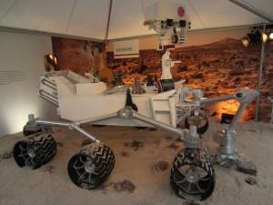 Modell des Mars Rover Curiosity in Originalgröße